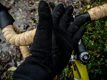 shoers pass outdry softshell gloves